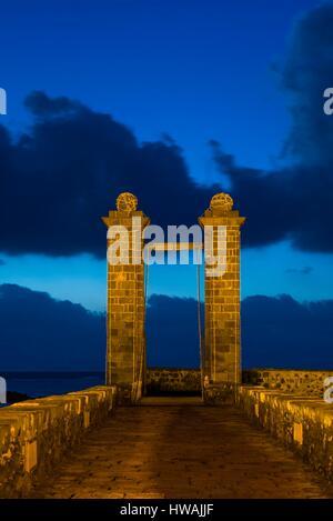 Spain, Canary Islands, Lanzarote, Arecife, Puente de Las Bolas bridge, dawn - Stock Photo