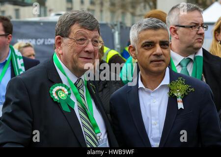 Trafalgar Square. London. UK 19 Mar 2017 - The Mayor of London, Sadiq Khan and Dan Mulhall Irish Ambassador, Credit: - Stock Photo