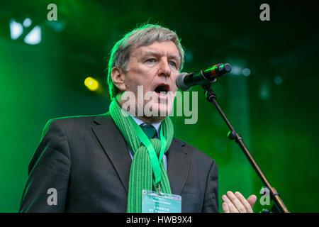 Trafalgar Square. London. UK 19 Mar 2017 - Dan Mulhall, Irish Ambassador speaks at the St Patrick's Day celebrations - Stock Photo