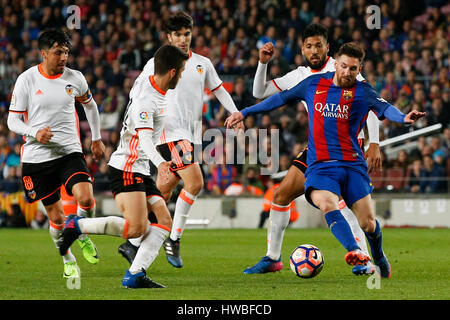 Barcelona, Spain. 19th Mar, 2017. Barcelona's Lionel Messi (1st R) competes during the Spanish first division soccer - Stock Photo