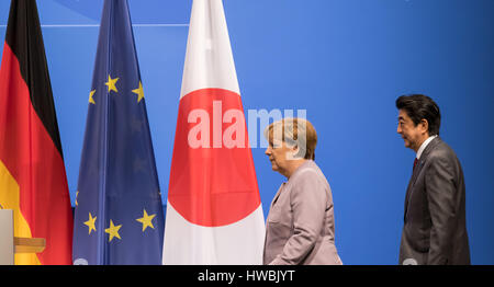 Hanover, Germany. 20th Mar, 2017. German Chancellor Angela Merkel and Japanese Prime Minister Shinzo Abe arrive - Stock Photo