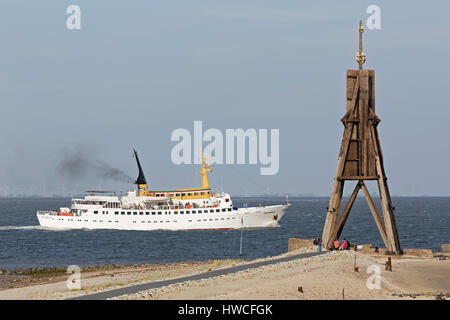 People steamer in front of Kugelbake, sea marks on the North Sea, Cuxhaven, Lower Saxony, Germany - Stock Photo