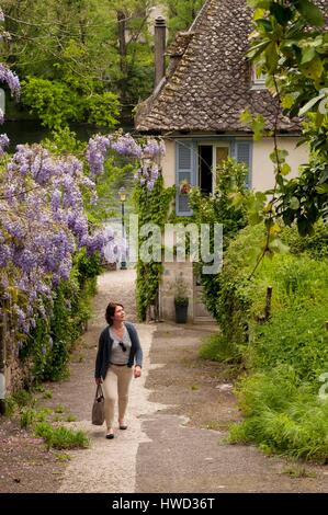 France, Correze, Argentat village, lane in Gabariers harbour, Dordogne correzian region - Stock Photo