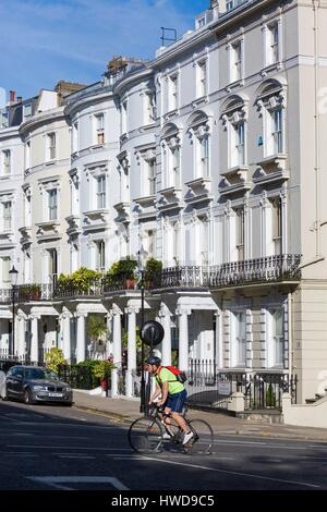 United Kingdom, London, Notting Hill, Lansdowne Crescent and its beautiful white houses, at No. 22 Jimmy Hendrix - Stock Photo