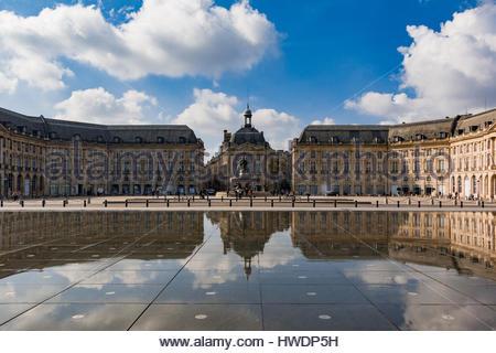 Le place de la bourse paris france by albert hautecoeur for Le miroir paris