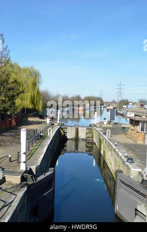 River Lea Navigation Tottenham Lock 17, Tottenham Hale, London, UK. - Stock Photo