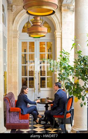France, Gironde, Bordeaux, Intercontinental hotel Le Grand Hôtel, gourmet restaurant Pressoir d'Argent, Gordon Ramsay - Stock Photo