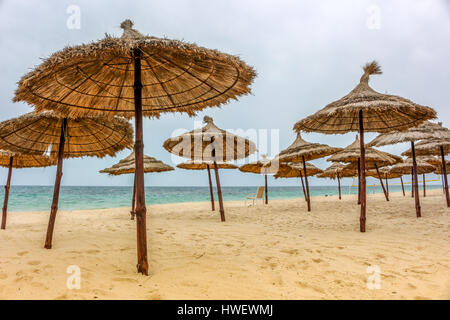 Viele Sonnenschirme in Tunesien - Stock Photo