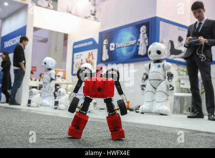 Hanover, Germany. 20th Mar, 2017. Photo taken on March 20, 2017 shows a transformable robot performing at the booth - Stock Photo