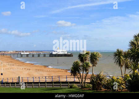 Eastbourne, UK. 21st Mar, 2017. UK weather. A bright but cold morning on Eastbourne seafront, East Sussex, UK Credit: - Stock Photo