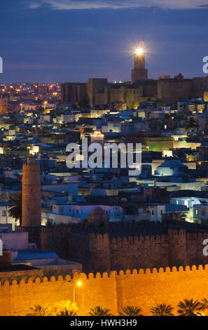 Tunisia, Tunisian Central Coast, Sousse, elevated view over the Medina towrds the Kasbah and Sousse Archeological - Stock Photo