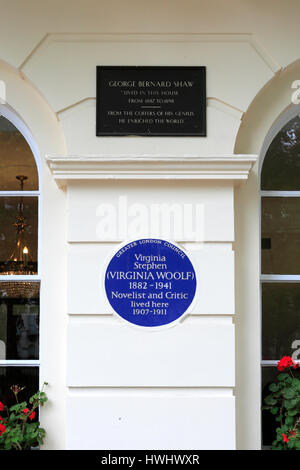 Blue Plaque on the home of George Bernard Shaw from 1887 until 1898 and later of Virginia Woolf from 1907 to 1911, - Stock Photo