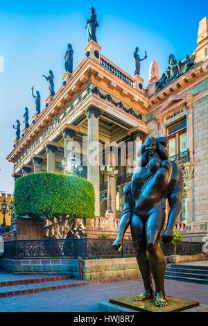 La Giganta sculpture outside Teatro Juarez in Guanajuato, Mexico ------ Guanajuato is a city and municipality in - Stock Photo