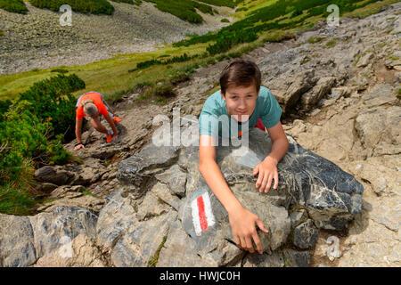 Roter westlicher Wanderweg zum Gipfel Giewont, Hohe Tatra, Polen - Stock Photo