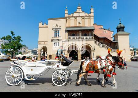 Pferdekutsche, Tuchhallen, Hauptmarkt, Krakau, Polen - Stock Photo