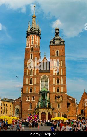 Marienkirche, Hauptmarkt, Krakau, Polen - Stock Photo