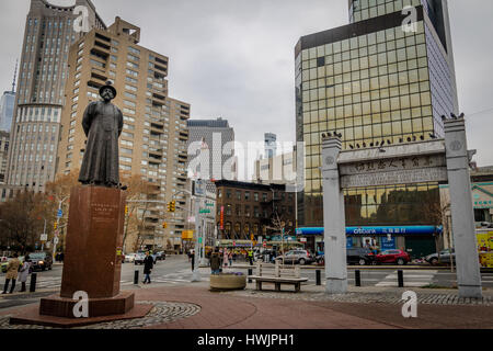 KimLau Square and Lin Ze Xu Statue in  Chinatown - New York, USA - Stock Photo