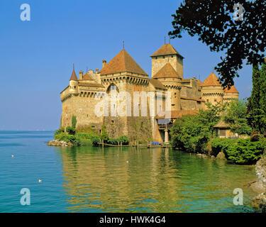 Chateau Chillon on the banks of Lake Leman (Lake Geneva) near Montreux, Switzerland. - Stock Photo