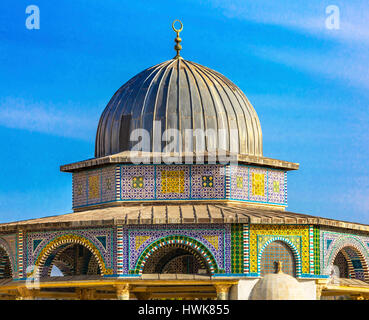 Small Shrine Dome of the Rock Islamic Mosque Temple Mount Jerusalem Israel.  Built in 691 One of most sacred spots - Stock Photo