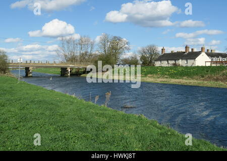 The New Bedford River at Sutton Gault with the Anchor Inn in the background - Stock Photo