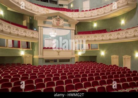 Deutschland, Nordrhein-Westfalen, Detmold, Landestheater Detmold, Zuschauerraum - Stock Photo