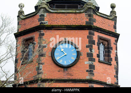 Port Sunlight - a model village and suburb in the Metropolitan Borough of Wirral, Merseyside. Lyceum clock tower - Stock Photo