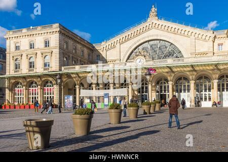 France, Paris, gare de Paris-Est or gare de l'Est (East station), is one of the six large SNCF termini in Paris, - Stock Photo