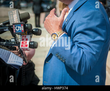Political candidate Bo Dietl wearing Rolex brand watch in New York on Tuesday, March 21, 2017. (© Richard B. Levine) - Stock Photo