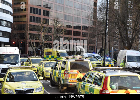 Westminster Bridge, London, UK. 22nd Mar, 2017. Police cordon off the area next to Westminster Bridge. Credit: Matthew - Stock Photo