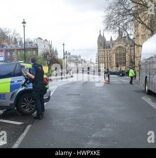 London, UK. 22nd Mar, 2017. Gunshots heard at Houses of Parliament London. Credit: claire doherty/Alamy Live News - Stock Photo