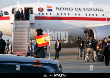 Tokyo, Japan. 4th Apr, 2017. A jet plane of Spanish Air Force, with Spain's King Felipe VI and his wife Letizia - Stock Photo