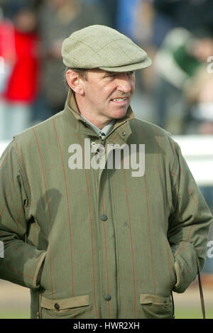 FERDY MURPHY RACE HORSE TRAINER WETHERBY RACECOURSE WETHERBY ENGLAND 31 October 2003 - Stock Photo