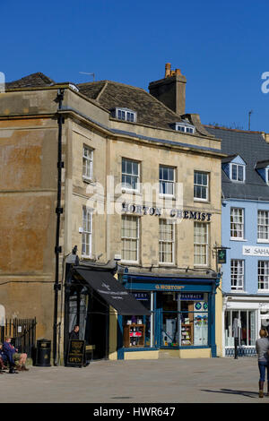 Shops in Cirencester town centre - Stock Photo