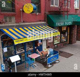 New York City, Usa - July 09, 2015: Pizzeria Restaurant 'Song 'e Napule' in Soho district in Manhattan. Typical - Stock Photo