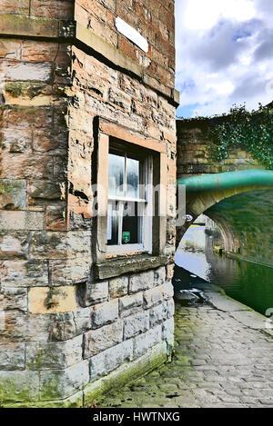 Leeds Liverpool canal Toll House,Weavers' Triangle,Burnley,Lancashire,UK - Stock Photo