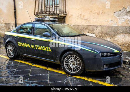 Guardia di Finanza car, militarized police force of Ministry of Economy and Finance in Noto town, Province of Syracuse - Stock Photo