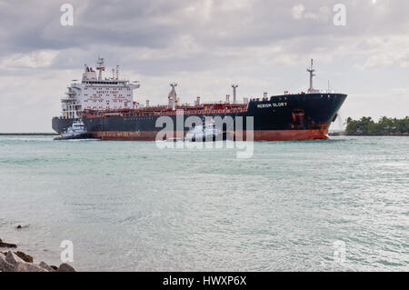 Miami, USA - November 25, 2011: Products tanker Meriom Glory (name until 2013 Mar, Marlin Glory now) approaches - Stock Photo