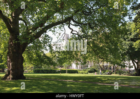 Brunswick Square gardens, a public park in Bloomsbury, central London - Stock Photo