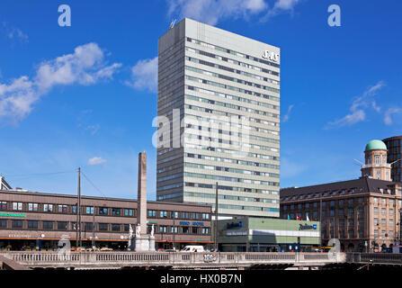 The Radisson Blu Royal Hotel, the SAS Hotel, Vesterbrogade, central Copenhagen, Denmark. Architect Arne Jacobsen. - Front, left the Liberty Column. Stock Photo