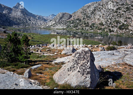 CA03115-00...CALIFORNIA - Evolution Lake located along the JMT/PCT in Kings Canyon National Park. - Stock Photo