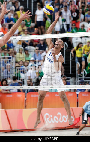 Rio de Janeiro, Brazil. 15 August 2016 Alison Cerutti – Bruno Schmidt (BRA) vs  Phil Dalhausser – Nick Lucena (USA) - Stock Photo