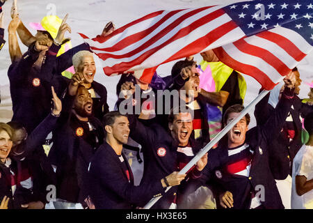Rio de Janeiro, Brazil. 5 August 2016 Michael Phelps USA flag bearer at the Olympic Summer Games Opening Ceremonies. - Stock Photo
