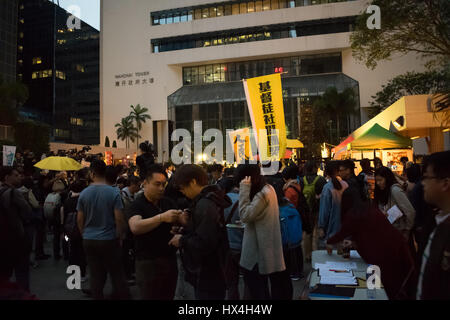 Hong Kong SAR, China. 25th March, 2017. Demonstrations, protests, and yellow pro-democracy banners as Hong Kong - Stock Photo