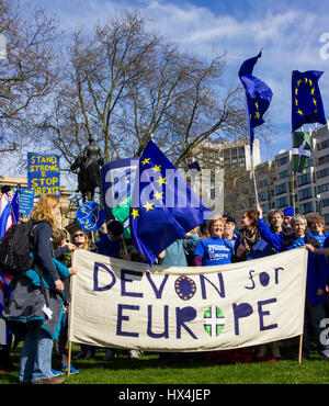 Westminster, Central London, UK. 25th Mar, 2017. Thousands of Unite for Europe supporters march on Parliament to - Stock Photo