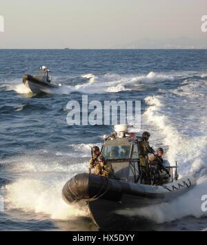 Republic of Korea (ROK) Special Warfare Flotilla and SEAL Team 17 prepare for a visit, board, search and seizure - Stock Photo