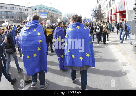 Berlin, Germany. 25th Mar, 2017. Today thousands of people demonstrate to 'March for Europe' of the place Bebel - Stock Photo