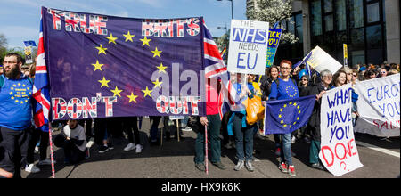 Westminster, Central London, UK, 25th March 2017. Thousands of Unite for Europe supporters march on Parliament to - Stock Photo
