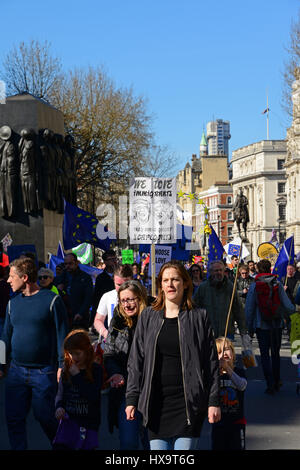 London, UK. 25th March, 2017. Demonstrators in Whitehall, taking part in the Unite for Europe March, organised to - Stock Photo