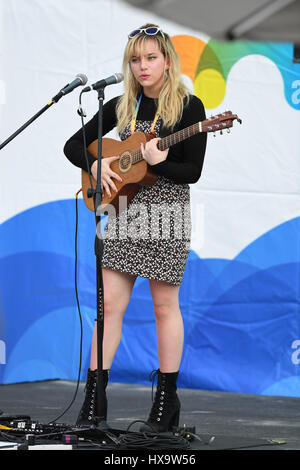 Key Biscayne, FL, USA. 25th Mar, 2017. Hailey Knox performs during the Miami Open at Crandon Park Tennis Center - Stock Photo