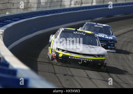 Fontana, California, USA. 25th Mar, 2017. March 25, 2017 - Fontana, California, USA: William Byron (9) battles for - Stock Photo